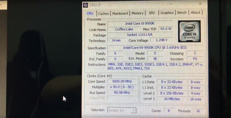 Primo benchmark Cinebench R15 Intel Core i9-9900K