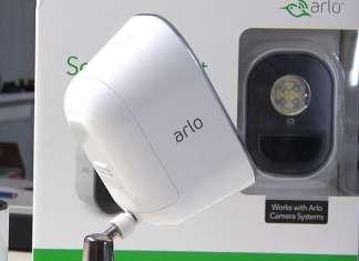Recensione Arlo Security Light confezione