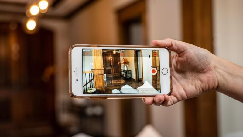 Trasformare vecchio smartphone videocamera sicurezza
