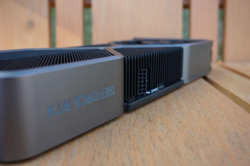 nuovo alimentatore per l'RTX 3080 di Nvidia